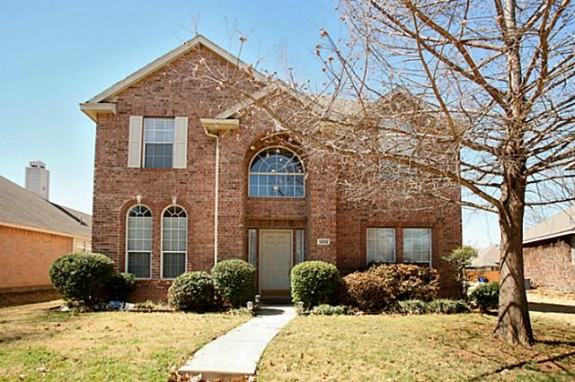 1202 Heather brook front