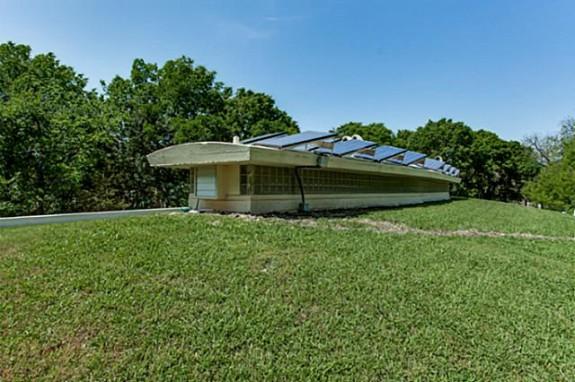 2001 N. Buckner Roof