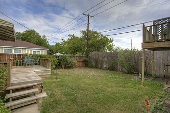 2213 Stanley Ave Backyard