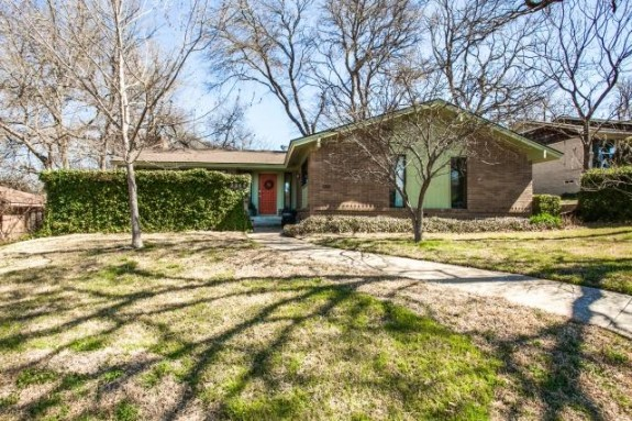 2344 Pinebluff Front