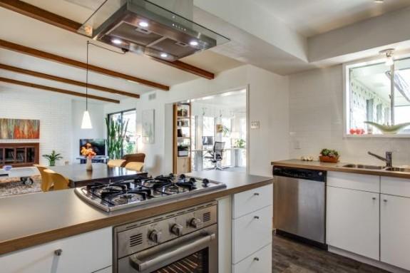 2344 Pinebluff Kitchen 2