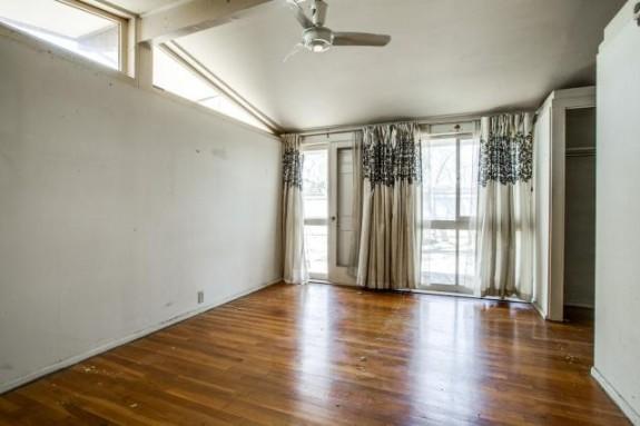 2604 Andrea Bedroom