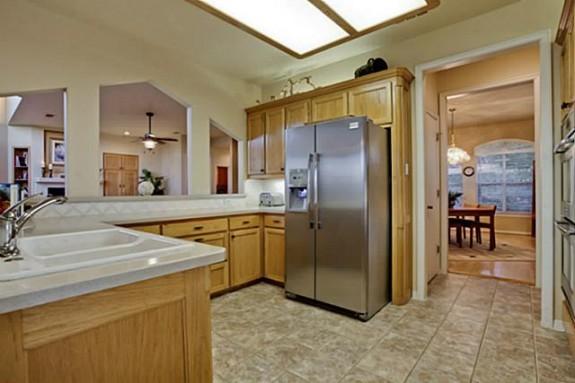 2811 Timber Crest Kitchen