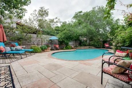2904 Dove Backyard