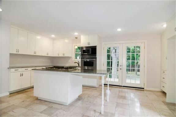 326 Edgefield Kitchen