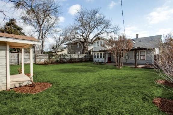 411 Montclair backyard