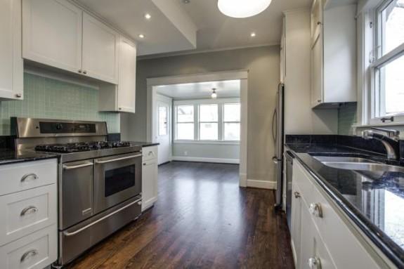 411 Montclair kitchen
