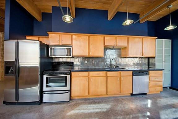 509 Elm 406 Kitchen