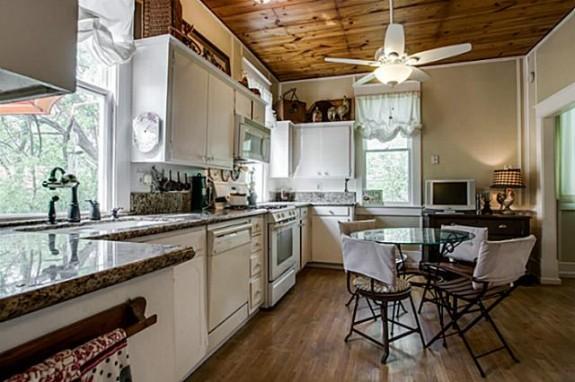 519 W. Hunt Kitchen