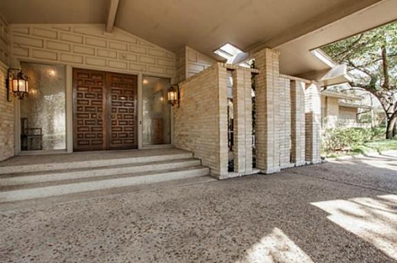 5333 Walnut Hill Lane front door