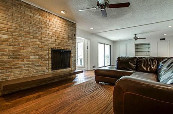 5333 Walnut Hill Lane living room