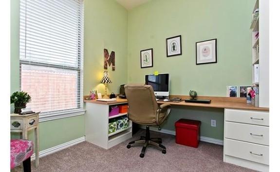 603 Courtney Desk