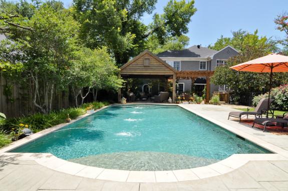 618 N. Brookside Backyard