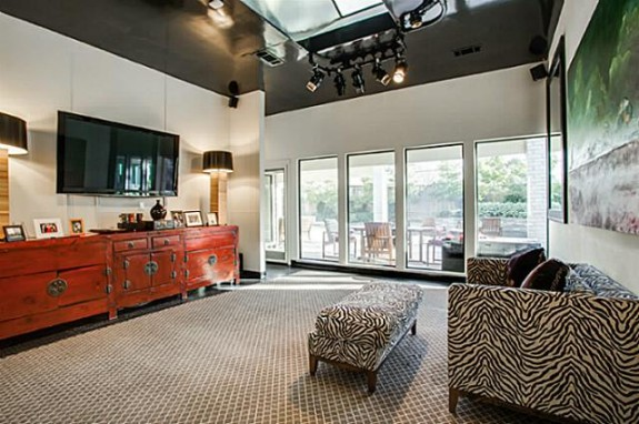 6406 Forest Creek family room
