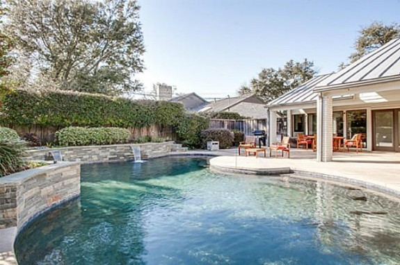 6406 Forest Creek pool