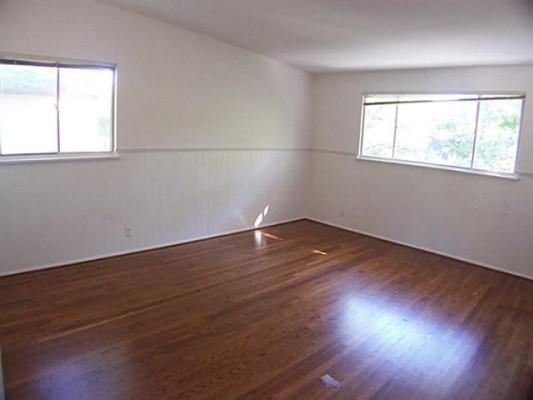 6934 Tokalon Bedroom