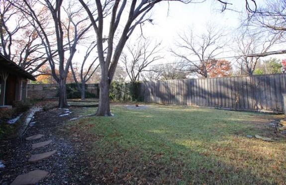 723 Woolsey Backyard