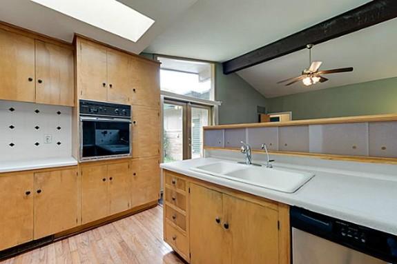 7723 Northaven Kitchen