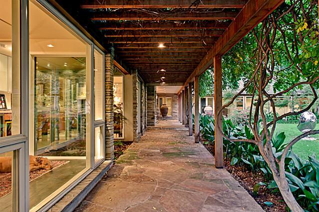 8205 Forest Hills Walkway