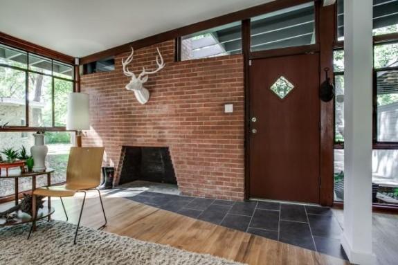 8506 Eustis Fireplace