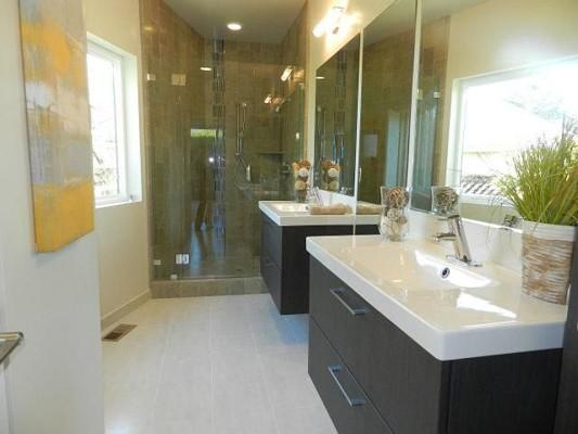 Tres and E house master bath